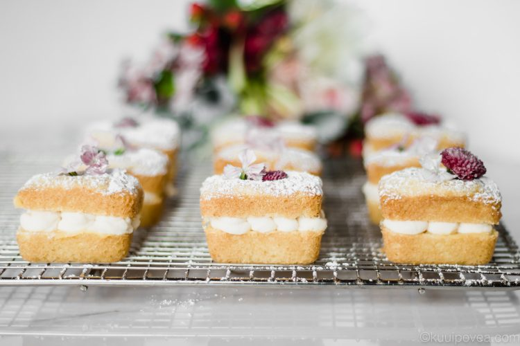 Victoria Sponge Cake with White Chocolate Mousse